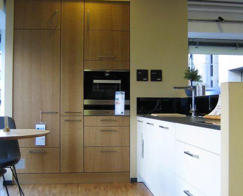 abverkauf m bel steinle hochwertige musterk chen und schr nke. Black Bedroom Furniture Sets. Home Design Ideas